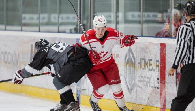 'Rīgas' hokejisti nedisciplinēta snieguma dēļ MHL spēlē zaudē 'Spartak' vienībai