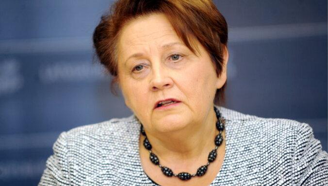 Straujuma: līdz ar ģenerālprokurora lēmumu Dreimane vairs nevar turpināt darbu