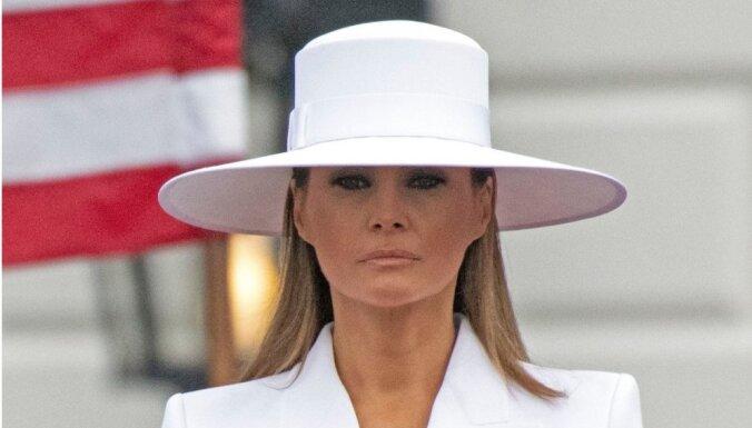 ФОТО: В соцсетях посмеялись над шляпой первой леди США