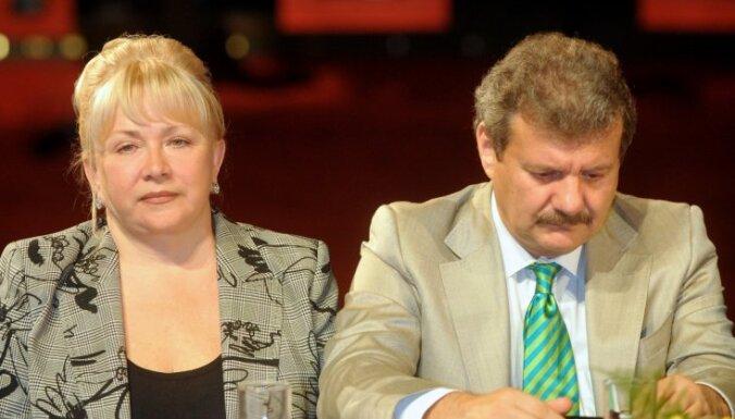 Mecenātiem Tetereviem piešķir Latvijas Mākslas akadēmijas goda locekļa nosaukumu