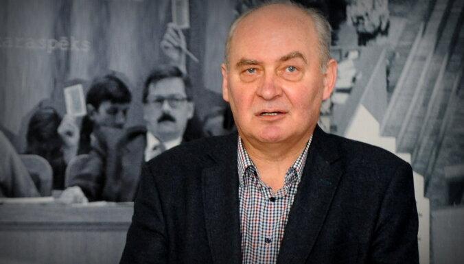 Передача: Latvijas Pasts ежемесячно платит 3000 евро не ходящему на работу экс-депутату