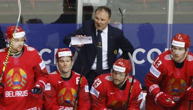Наставник сборной Беларуси Захаров ушел в отставку, его сменит канадец
