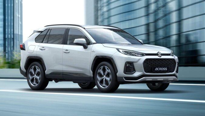Eiropai paredzētais jaunais 'Suzuki Across' ir pārzīmolots 'Toyota RAV4'
