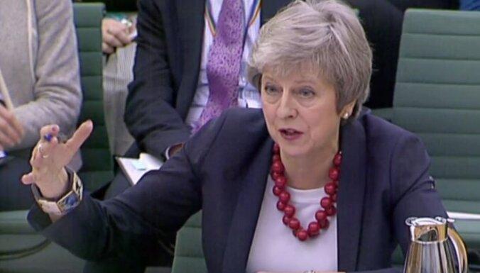 Meja noraida alternatīvas 'Brexit' vienošanās plānam