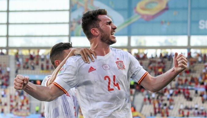 Победы Испании и Швеции помогли Украине попасть в 1/8 финала ЕВРО