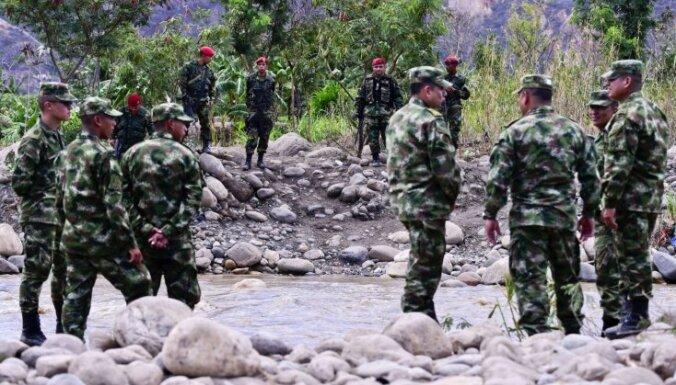 Aug spriedze starp Venecuēlu un Kolumbiju: abas valstis atsauc vēstniekus