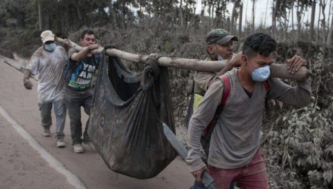 В Гватемале в результате извержения вулкана погибли около 70 человек