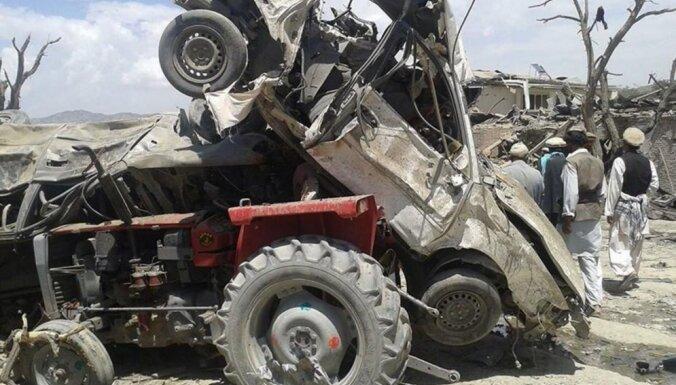 Sprādzienā tirgū Afganistānā 89 bojāgājušie