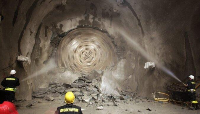 Šveicē izrakts pasaulē garākais tunelis
