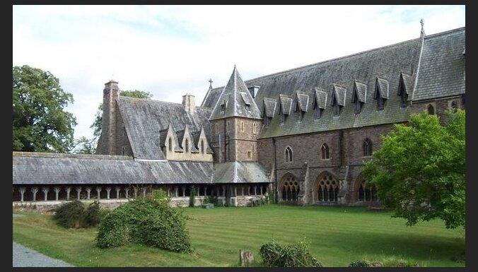 Angļu valoda un aktīva atpūta skolēniem starptautiskajā privātskolā St Michael's College