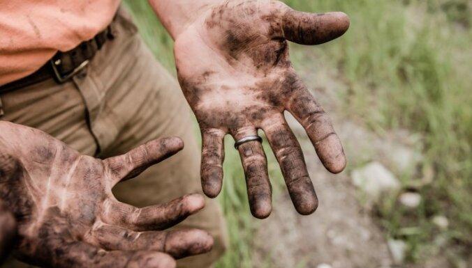 Дело о торговле людьми: житель Видземе держал в рабстве мужчину и женщину