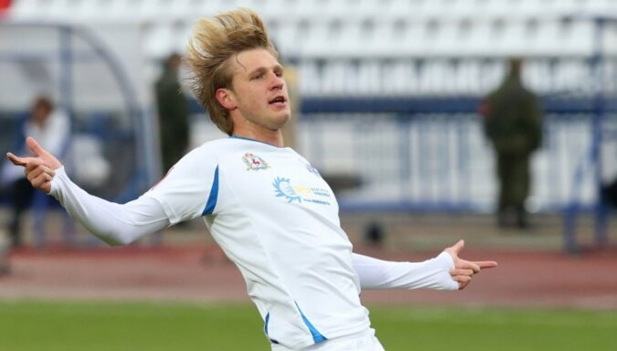 В Латвию едет футболист Сапогов — болельщикам и судьям будет не скучно