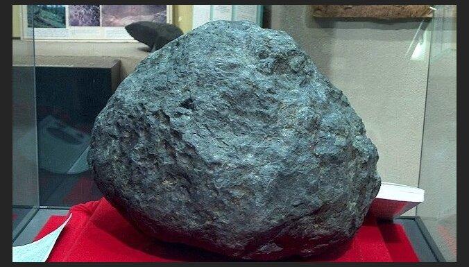 Ensisemas meteorīts