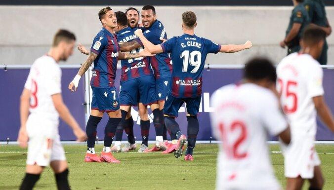 'Sevilla' trāpa savos vārtos un izlaiž uzvaru pār 'Levante'