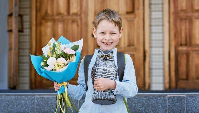 Izglītības iestādēs nav reģistrēti 1017 bērni; 15 477 Latvijā deklarēti bērni atrodas ārvalstīs