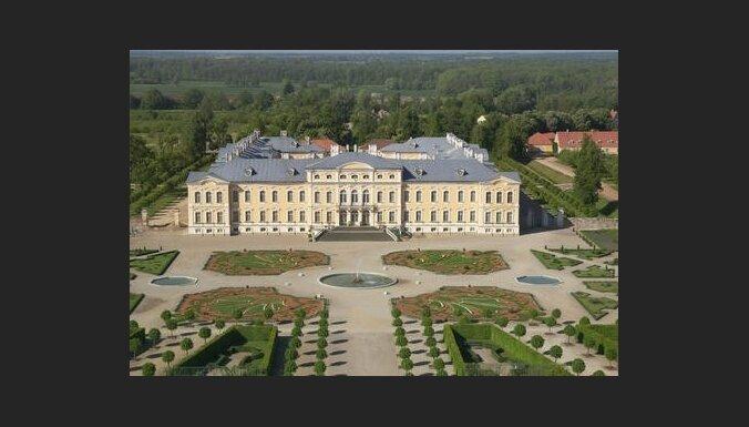 Меценаты выделят на ремонт Рундальского дворца 0,5 млн. латов