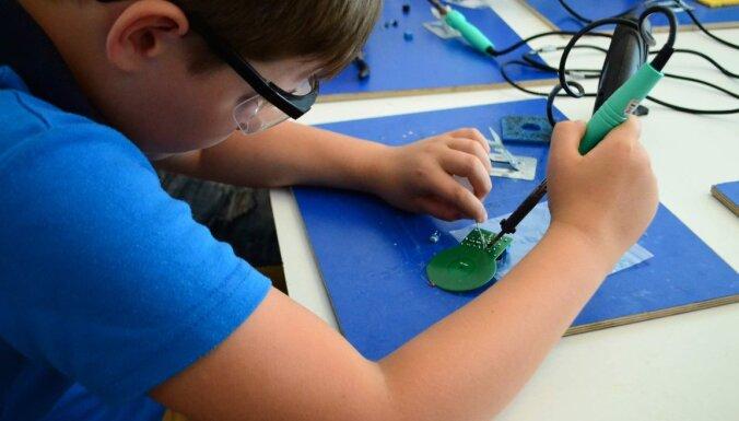 Skolēniem iespēja pieteikties budžeta vietām 'Laboratorium Zinātnes skolā'