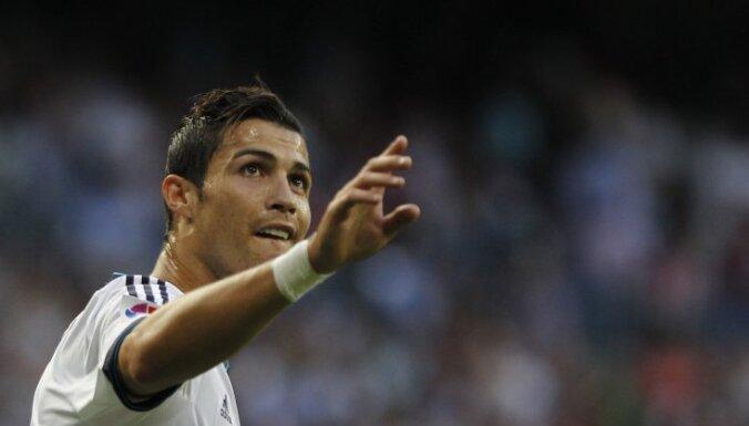 """Роналду делает 16-й хет-трик за """"Реал"""", """"Барса"""" дожимает """"Севилью"""""""