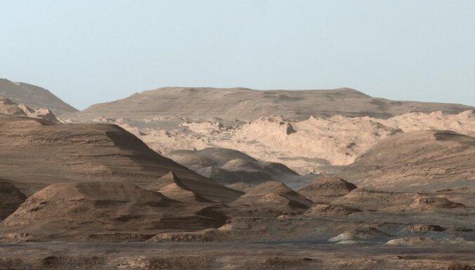 Pētnieki 'sadzinuši pēdas' metānam uz Marsa