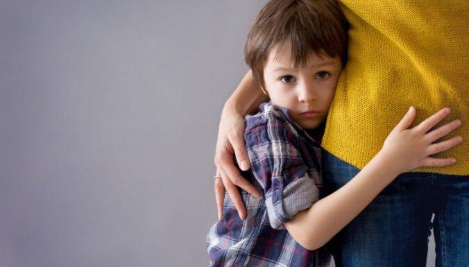 Septiņas frāzes, kuras zēniem būtu biežāk jādzird no vecākiem