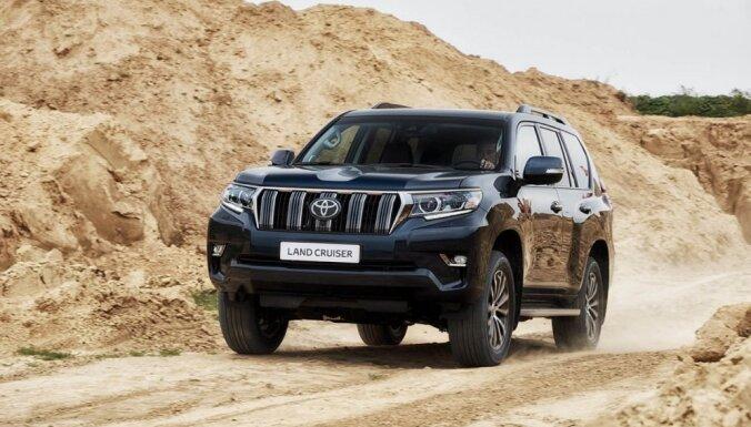 Aizsardzības ministrija pērn iegādājusies četrus apvidus auto 'Toyota Land Cruiser'