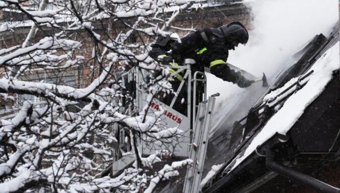 Во время пожара в Юрмале спасены два человека