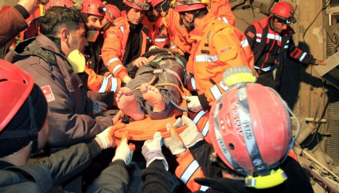 В Турции растет число жертв нового землетрясения