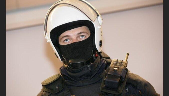 Рижская полиция выезжает на 300 вызовов в сутки