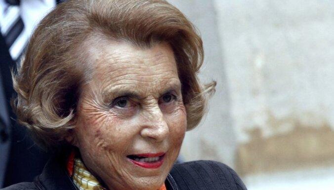 Eiropas bagātāko sievieti tiesa atzīst par rīcībnespējīgu