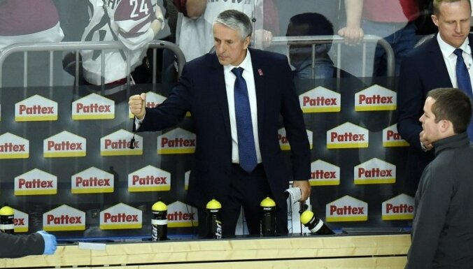 Hārtlijs oficiāli pagarinājis līgumu par Latvijas hokeja izlases trenēšanu