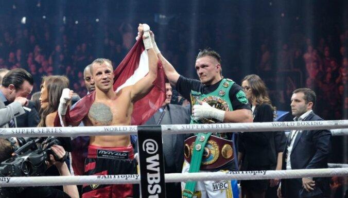Бриедис хочет реванша с Усиком после поражения в полуфинале WBSS