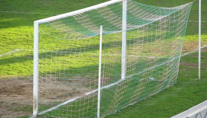 Serbijas futbola kluba spēlētāji pieteikuši bada streiku