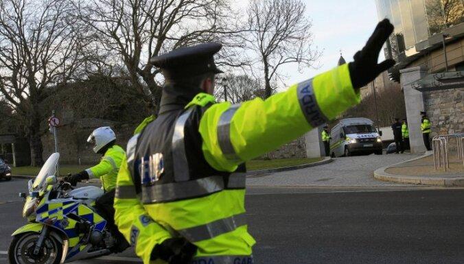 Īrijā pusaudzis uzbrucis gaidībās esošai latvietei
