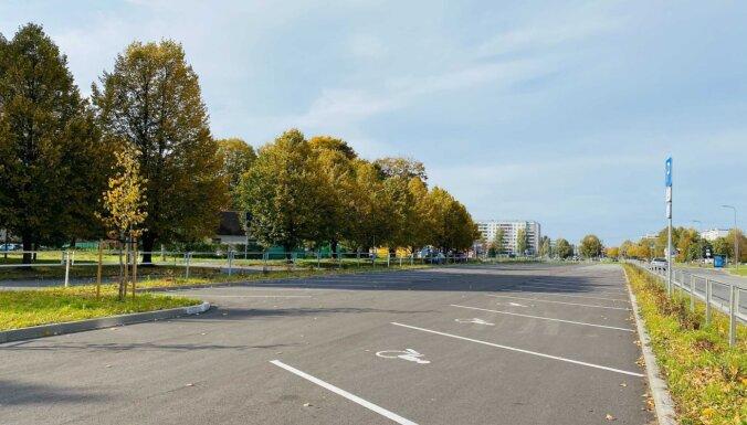 В Риге открыто более 500 новых бесплатных парковочных мест