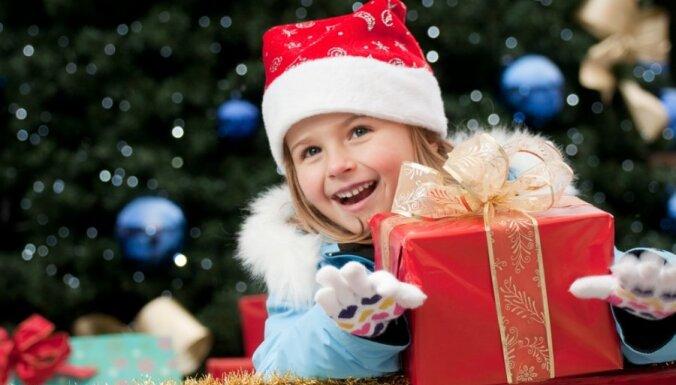 Опрос: какие рождественские подарки - самые бесполезные?