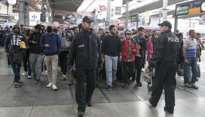 Германия: число прибывающих в страну мигрантов резко упало