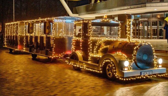 Ventspils ielās kursēs Ziemassvētku muzikālais vilcieniņš
