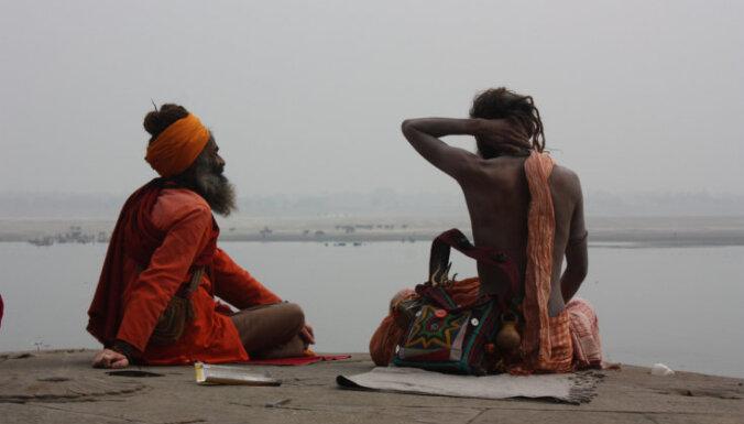 varanasi, indija