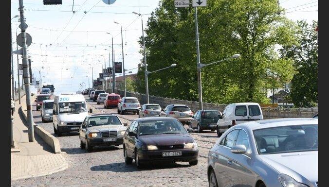 Ежегодную пошлину на авто поднимут в два раза, на мотоциклы— в 17 раз