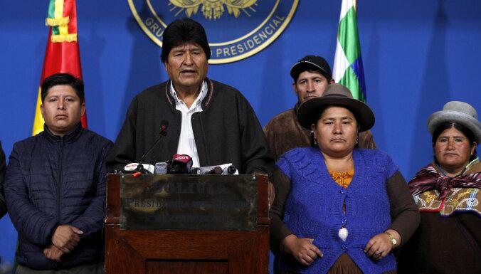 Bolīvijas prezidents Evo Moraless atkāpjas un pazūd