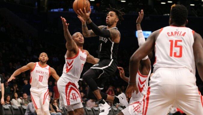 Kurucs atgriežas pieteikumā, bet netiek laukumā 'Nets' zaudējumā 'Rockets' komandai