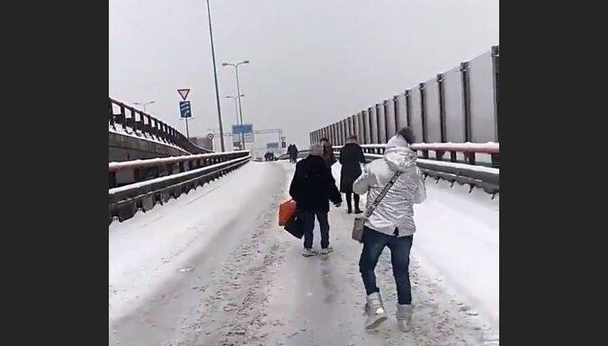 ФОТО, ВИДЕО: Авария на Южном мосту - движение возобновлено