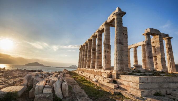 Bezdarbs Grieķijā jūlijā sarucis līdz 14,2%