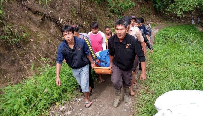 Indonēzijā autobusa katastrofā bojāgājušo skaits sasniedzis 35