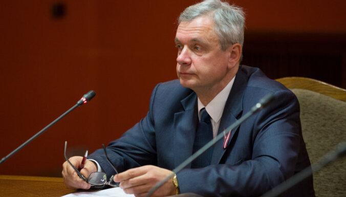 'Citadeles' pārdošanas parlamentārās izmeklēšanas komisijas deputātiem asas diskusijas par galaziņojumu