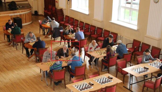 Скандал: дисквалифицированный шахматист играл на турнире в Валке под новой фамилией