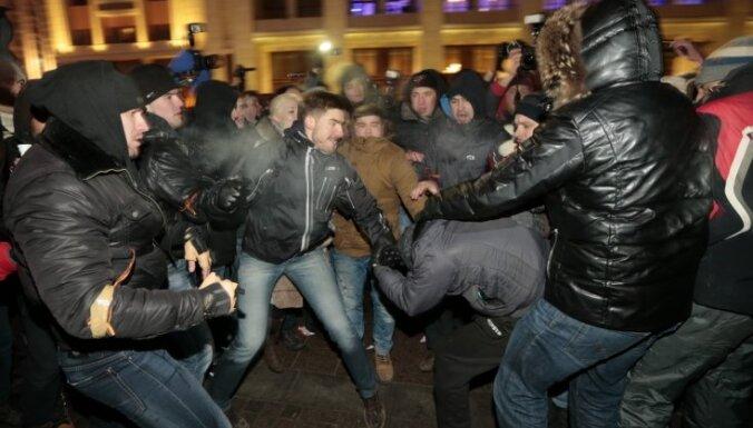 Navaļnija atbalsta mītiņu laikā aizturēti teju 2000 cilvēku