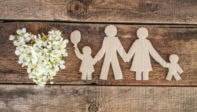 No 1. jūlija ieviests jauns pabalsta veids – bērna adopcijas pabalsts
