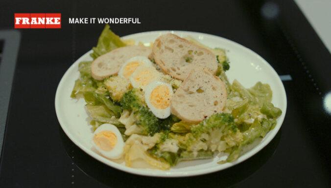 Cēzara salāti ar brokoļiem