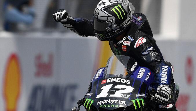 Vinjaless uzvar 'MotoGP' sezonas priekšpēdējā posma